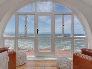 5 bedroom House with Internet Access in Muizenberg - Muizenberg vacation rentals