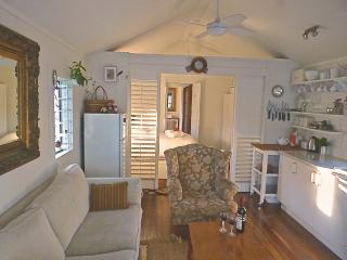 Perfect 2 bedroom Cottage in Mullaway with Deck - Mullaway vacation rentals