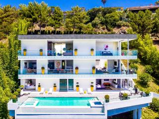 4 bedroom Villa with Balcony in Hollywood - Hollywood vacation rentals