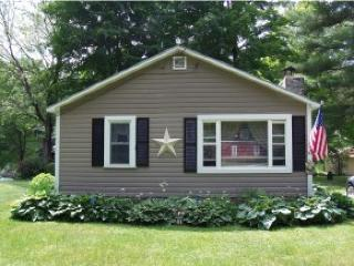 Lake Front House with Boathouse and 2 Bedrooms! - Castleton vacation rentals