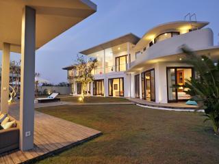 BEAUTIFUL VILLA full ocean view, 300m BEACH ! - Jimbaran vacation rentals