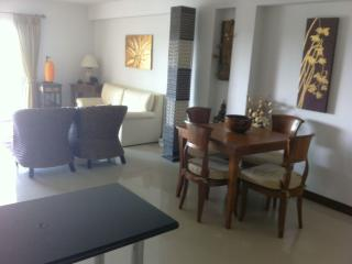 Modern apartment with huge pool - Hua Hin vacation rentals