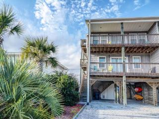 Beautiful 3 bedroom House in Topsail Beach - Topsail Beach vacation rentals