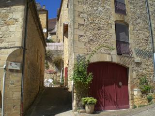 3 bedroom Gite with Internet Access in Saint-Cyprien - Saint-Cyprien vacation rentals