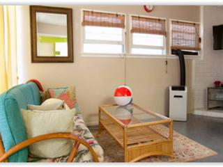 Coral Cottage 1 Block to Pierpont Beach - Ventura vacation rentals