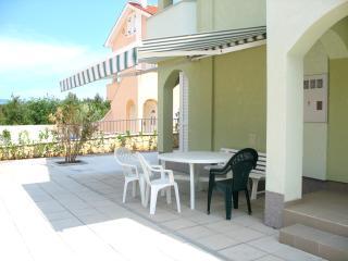 1 bedroom Condo with A/C in Cizici - Cizici vacation rentals