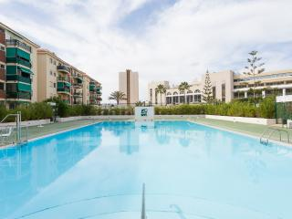 Lovely apartment with pool on Los Cristianos beach - Los Cristianos vacation rentals