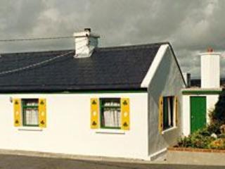 Charming 2 bedroom House in Claddaghduff - Claddaghduff vacation rentals