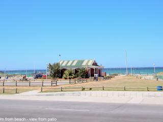 Beachfront holiday accommodation/short term - Summerstrand vacation rentals