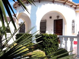 Beautiful 2 Bedroom Villa with private pool - Los Alcazares vacation rentals