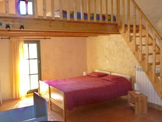 Mayaric B&B 2 in Provence - Villedieu vacation rentals