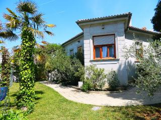 Apt Tania 250m from beach in Pula - Pula vacation rentals