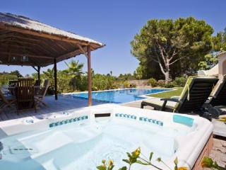 Four bedroom villa at Quinta do Paraiso, Carvoeiro - Carvoeiro vacation rentals