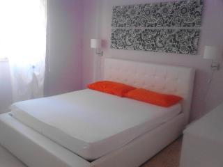CasaVacanza  Locri pieno centro a due passi mare - Locri vacation rentals