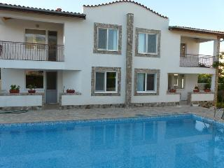 6 bed villa for 18 pers, 600 meters from the beac - Kranevo vacation rentals