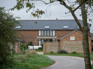 Converted 7 bedroom Barn in West Wittering - West Wittering vacation rentals