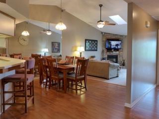 Penthouse Pointe Royale 2 Bedroom Condo (11-12) - Branson vacation rentals