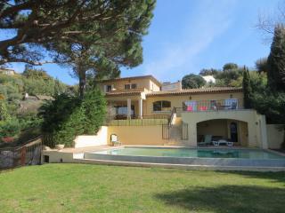 Superb villa for 12 guests Saint Tropez peninsula - La Croix-Valmer vacation rentals