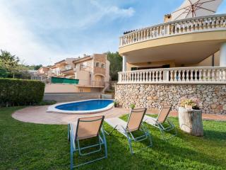 BESSÓ - Property for 10 people in Alcanada - Puerto de Alcudia vacation rentals