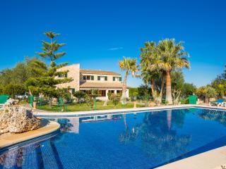 SON MESQUIDA - Property for 12 people in Son Mesquida - Felanitx vacation rentals