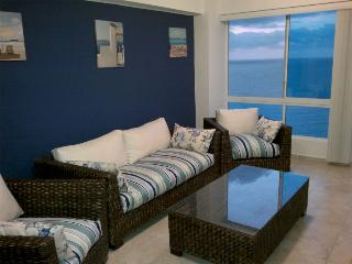 Great Beachfront getaway / Tonsupa - Tonsupa vacation rentals