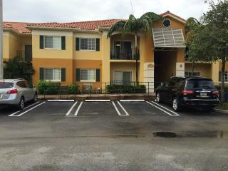 Miami, Two Bedroom Two full baths, Dos dormitorios - Coconut Grove vacation rentals