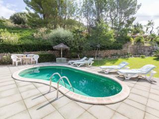 CASETA - Property for 6 people in Inca - Inca vacation rentals