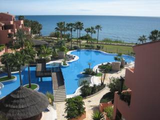 MAR AZUL RESORT, Estepona - Estepona vacation rentals