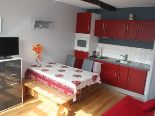 """Gite """"Campagne"""" 1/3p. CléVacances Bergues centre - Bergues vacation rentals"""