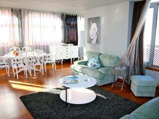 Cozy 2 bedroom Apartment in Moledo with Internet Access - Moledo vacation rentals