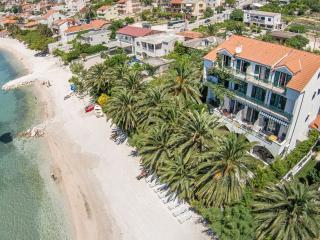 Beach accommodation Palms 6-7 - Podstrana vacation rentals
