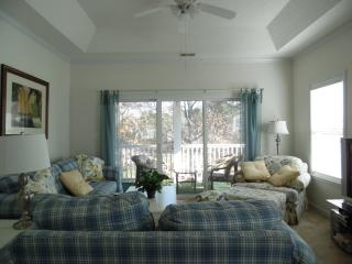 Beautiful, bright, 3BR 3rd fl. condo with elevator - Myrtle Beach vacation rentals
