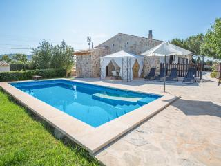 VILLA FERNANDO - Property for 6 people in Manacor - Son Macia vacation rentals