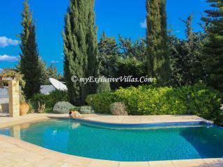 Cozy 3 bedroom Villa in Peyia - Peyia vacation rentals