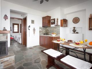 Cozy 2 bedroom Mouresi Apartment with Television - Mouresi vacation rentals