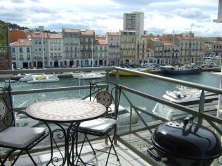 1 Bed Apart + Terrace + Parking in Sete with Views - Sete vacation rentals