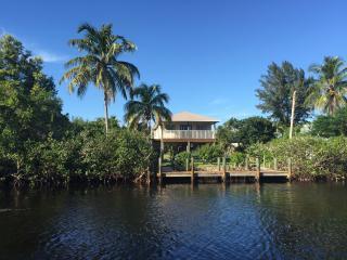 CuteCozyCasaMarina Waterfront 2/2 Cottage - Bokeelia vacation rentals
