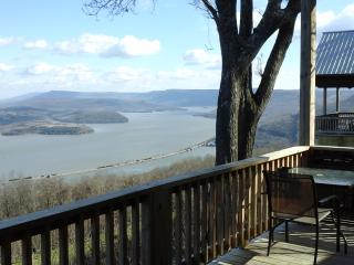 one of 8 awesome view, gated, hot tub fireplace - Chattanooga vacation rentals