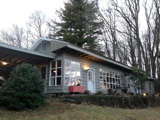 Shanor Cottage-Relax- You're here - Highlands vacation rentals