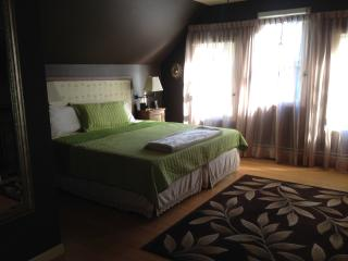 Beautiful King bedroom ensuite (private bathroom) - Concord vacation rentals