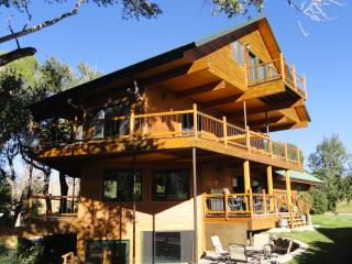 Waterfront Paradise - Cody vacation rentals