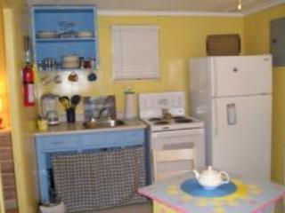 Alba Cottages (1BR + Futon) Wasaga Beach Area 1 - Wasaga Beach vacation rentals