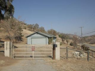 Nice House with Internet Access and Dishwasher - Tehachapi vacation rentals