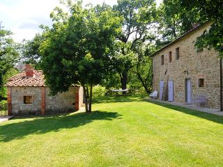 7 bedroom Independent house in Castel Focognano, Casentino, Tuscany, Italy : ref 2307262 - Castel Focognano vacation rentals