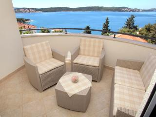 Charming Condo with Internet Access and Short Breaks Allowed - Trogir vacation rentals