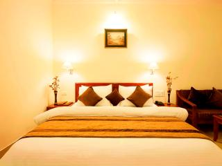 Beautiful Resort with A/C and Television - Gurgaon vacation rentals