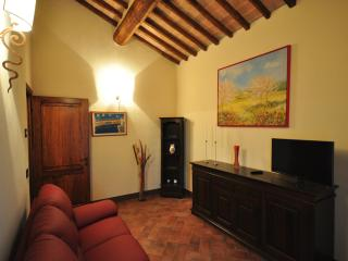 City escape near Siena. Relax under the Tuscan sun - Torri vacation rentals