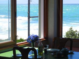 2 bedroom Condo with Internet Access in Kalk Bay - Kalk Bay vacation rentals