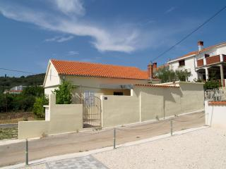 Step from the Beach Holiday House Maressa - Preko vacation rentals