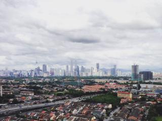 CLEAN, BRIGHT & COMFY BEDROOM - Kuala Lumpur vacation rentals